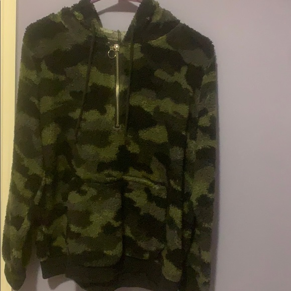 Jackets & Blazers - Camouflage soft and fluffy hoodie